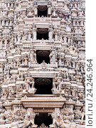 Купить «Статуи колоритного индуистского храма SRI MUTHUMARIAMMAN в Матале Шри Ланка», фото № 24246964, снято 5 ноября 2009 г. (c) Эдуард Паравян / Фотобанк Лори