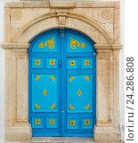 Голубая дверь с орнаментом. Сиди-Бу-Саид (2016 год). Стоковое фото, фотограф Арсений Герасименко / Фотобанк Лори