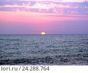 Купить «Алый морской закат», фото № 24288764, снято 9 августа 2006 г. (c) Евгений Ткачёв / Фотобанк Лори