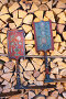 Две русских прялки на поленнице, эксклюзивное фото № 24308784, снято 12 ноября 2016 г. (c) Анатолий Матвейчук / Фотобанк Лори