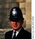 "Купить «Great Britain, London, policeman ""bobby"", portrait, no model release», фото № 24337656, снято 21 июля 2018 г. (c) mauritius images / Фотобанк Лори"
