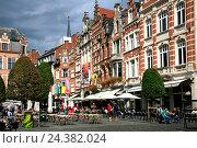 Купить «Belgium, Flanders, Flemish Brabant, Leuven, Louvain, Oude market», фото № 24382024, снято 22 августа 2018 г. (c) mauritius images / Фотобанк Лори