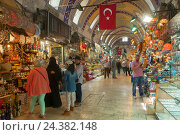 Купить «Turkey, Istanbul, big bazaar, in Turkish Kapali Carsi, the purchasing paradise of the tourists.», фото № 24382148, снято 21 августа 2018 г. (c) mauritius images / Фотобанк Лори
