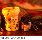 Купить «alternative cures, aromatic therapy, odour lamp, ethereal oils», фото № 24400688, снято 21 июня 2018 г. (c) mauritius images / Фотобанк Лори