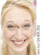 Купить «Woman, laugh young, blond, portrait, nose, ladybird, women's portrait, 20-30 years, smile, grin, happy, course, fun, amusement, beetle, luck beetle, luck...», фото № 24409352, снято 20 декабря 2005 г. (c) mauritius images / Фотобанк Лори