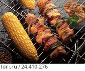 Купить «Grill, shish kebab spits, corncobs, meat spits, have of a barbecue, spit, spits, near, grill dishes», фото № 24410276, снято 31 декабря 1899 г. (c) mauritius images / Фотобанк Лори