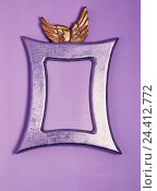 Купить «Picture frames, wings, golden, borders, adornment, border, bezel, placeholder, Wohnaccessoire, violet, product photography, Still life», фото № 24412772, снято 22 мая 2018 г. (c) mauritius images / Фотобанк Лори