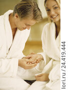 Купить «Couple, bathrobes, hands, touch, happy, model released, partner, partnership, dressing-gowns, palm, look, hold, touch, affectionately, tenderness, falls in love, caress, inside», фото № 24419444, снято 23 октября 2002 г. (c) mauritius images / Фотобанк Лори
