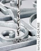 Купить «Drill, Silverstar, close-up, metal, hole, filings», фото № 24424968, снято 24 августа 2019 г. (c) mauritius images / Фотобанк Лори