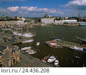 Купить «Finland, Helsinki, town view, harbour, Europe, Northern, Europe, Scandinavia, town, capital, townscape, port, harbour fourth, overview, ships, boots, summers», фото № 24436208, снято 26 сентября 2005 г. (c) mauritius images / Фотобанк Лори