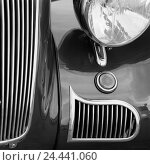 Купить «Car, old-timer, radiator grille, headlight, detail, b/w, vehicle, passenger car, historically, nostalgically, nostalgia, old, in an old-fashioned way,...», фото № 24441060, снято 3 ноября 2005 г. (c) mauritius images / Фотобанк Лори