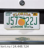 """Купить «The USA' Florida, Miami, car, detail, number plate """"Florida""""», фото № 24448124, снято 16 июля 2019 г. (c) mauritius images / Фотобанк Лори"""
