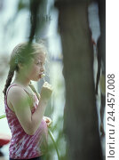 Купить «Beach, girl, Lolly, eat, outside, summer, child, plait, nipple, Lollipop, sweetly, sweet, sweetness, sweets, containing sugar, nutrition, unhealthily,...», фото № 24457008, снято 20 августа 2002 г. (c) mauritius images / Фотобанк Лори