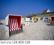 Купить «Germany, the North Frisians, Sylt, Wenningstedt, beach, beach chairs, bathers North Germany, Schleswig - Holstein, coast, beach, sandy beach, Sand, coastal...», фото № 24459128, снято 29 мая 2002 г. (c) mauritius images / Фотобанк Лори