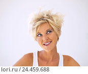 Купить «Woman, young, blond, happy, side glance, portrait, short-haired, hairstyle, strubbelig, blue eyes, made up, make-up, top, summery, mood, positively, happy...», фото № 24459688, снято 12 января 2006 г. (c) mauritius images / Фотобанк Лори