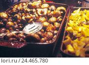 Купить «Buffet, champignons, roasted, Still life, food, eat, self-service restaurant, canteen, foods, choice, side dishes, self-service restaurant, close up», фото № 24465780, снято 28 мая 2002 г. (c) mauritius images / Фотобанк Лори