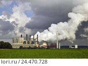 Купить «Germany, North Rhine-Westphalia, Grevenbroich-Neurath, coal-fired power station, Europe, North Rhine-Westphalia, Grevenbroich, Neurath, industrial zone...», фото № 24470728, снято 3 ноября 2004 г. (c) mauritius images / Фотобанк Лори