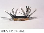 Купить «Penknife, opened, multifunctionally, multi function penknife, multi function knife, knife, multitool, multi function tool, tool, tools, tools, opened,...», фото № 24487332, снято 9 декабря 2003 г. (c) mauritius images / Фотобанк Лори