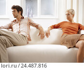 Купить «Sofa, couple, conflict, are quiet, turn away, Ti4, young, 20-30 years, partnership, respect, crisis, marital crisis, marriage problems, unhappily, differences...», фото № 24487816, снято 22 июля 2018 г. (c) mauritius images / Фотобанк Лори