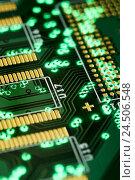 Купить «To board, close up, electronics, green, copper circuit, conductor paths, structure, detail,», фото № 24506548, снято 16 июля 2009 г. (c) mauritius images / Фотобанк Лори