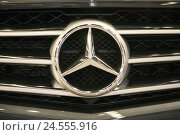 Купить «Car, radiator grille, Mercedes Stern,», фото № 24555916, снято 16 августа 2018 г. (c) mauritius images / Фотобанк Лори