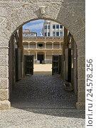 Купить «Spain, province Malaga, Andalusia, Ronda, bullfight arena, input,», фото № 24578256, снято 15 сентября 2009 г. (c) mauritius images / Фотобанк Лори