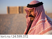 Купить «Jordan, desert castle Qasr Kharana, man with traditional headscarf, portrait, side view,», фото № 24599372, снято 19 июля 2019 г. (c) mauritius images / Фотобанк Лори