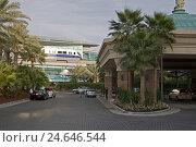 Купить «VAE, Dubai, palm island 'Palm Jumeirah', hotel 'Atlantis', Monorail, railway station,», фото № 24646544, снято 15 января 2011 г. (c) mauritius images / Фотобанк Лори
