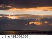 Купить «Schleswig - Holstein, North Sea coast, sundown,», фото № 24656656, снято 22 августа 2018 г. (c) mauritius images / Фотобанк Лори