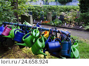 Купить «Watering cans at the Johannis cemetery, Tolkewitz, Dresden, Saxony, Germany,», фото № 24658924, снято 20 августа 2018 г. (c) mauritius images / Фотобанк Лори