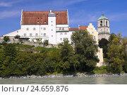 Купить «Germany, Bavaria, Upper Bavaria, Inntal (valley), Wasserburg (town) am Inn (town), Castle, Church of St. Jacob,», фото № 24659876, снято 24 сентября 2018 г. (c) mauritius images / Фотобанк Лори