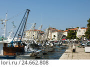 Купить «Croatia, Istria, Porec, bank promenade in the harbour,», фото № 24662808, снято 15 сентября 2011 г. (c) mauritius images / Фотобанк Лори