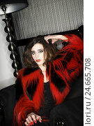 Купить «Woman, young, fashion, style, rat's tail jacket, red, black, 20-30 years, make-up, Fashion, style, clothes, jacket, shaggy, black-red, contrast, signal...», фото № 24665708, снято 14 января 2008 г. (c) mauritius images / Фотобанк Лори
