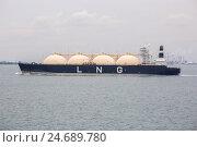LNG танкер (2016 год). Редакционное фото, фотограф Анатолий Менжилий / Фотобанк Лори