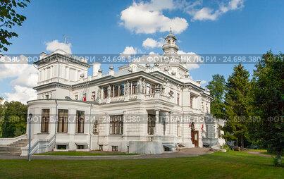 Главное здание усадьбы Грачевка. Москва. Клинический центр восстановительной медицины и реабилитации