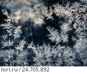 Купить «Ледяные морозные узоры на замерзшем ночном окне», фото № 24705892, снято 16 декабря 2016 г. (c) Светлана Васильева / Фотобанк Лори