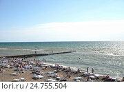 Купить «Вид на пляж в Сочи, Россия», фото № 24755504, снято 23 сентября 2014 г. (c) Александр Карпенко / Фотобанк Лори