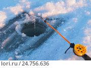 Зимняя удочка на рыбалке. Стоковое фото, фотограф Михаил Аникаев / Фотобанк Лори