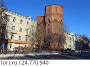 Купить «Старинная водонапорная башня зимой, Тюмень», эксклюзивное фото № 24770940, снято 14 декабря 2016 г. (c) Алексей Гусев / Фотобанк Лори