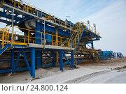 Конвейер в горнодобывающей промышленности. Стоковое фото, фотограф Юлия Врублевская / Фотобанк Лори