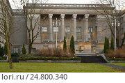 Купить «Здание посольства РФ и внутренний двор в городе Хельсинки, Финляндия», фото № 24800340, снято 26 декабря 2016 г. (c) Валерия Попова / Фотобанк Лори