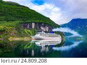 Купить «Cruise Liners On Geiranger fjord, Norway», фото № 24809208, снято 20 июля 2016 г. (c) Андрей Армягов / Фотобанк Лори