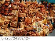 Корзины (2015 год). Редакционное фото, фотограф СергейДорогов / Фотобанк Лори