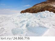 Зимний пейзаж. Замерзший Амурский залив. Остров Русский, Владивосток. Стоковое фото, фотограф Римма Тельнова / Фотобанк Лори