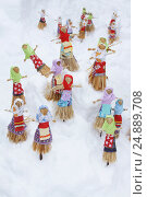 Масленица. Маленькие куклы для сожжения. Стоковое фото, фотограф Gagara / Фотобанк Лори