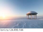 Купить «Rotunda on a snowy plain», фото № 24890144, снято 19 января 2014 г. (c) Андрей Радченко / Фотобанк Лори