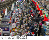 Гипермаркет (2015 год). Редакционное фото, фотограф Лазаренко Светлана / Фотобанк Лори