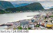 Купить «Aksla at the city of Alesund , Norway», видеоролик № 24898648, снято 17 ноября 2016 г. (c) Андрей Армягов / Фотобанк Лори