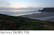 Купить «Odeceixe beach sunset view (Algarve, Portugal).», видеоролик № 24901116, снято 16 января 2017 г. (c) Юрий Брыкайло / Фотобанк Лори