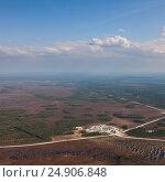 Купить «Oil base on oilfield in West Siberia, top view», фото № 24906848, снято 15 мая 2015 г. (c) Владимир Мельников / Фотобанк Лори